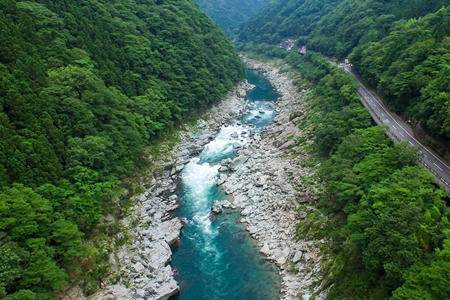 "The torrent ""Yoshino river"" of the world level"
